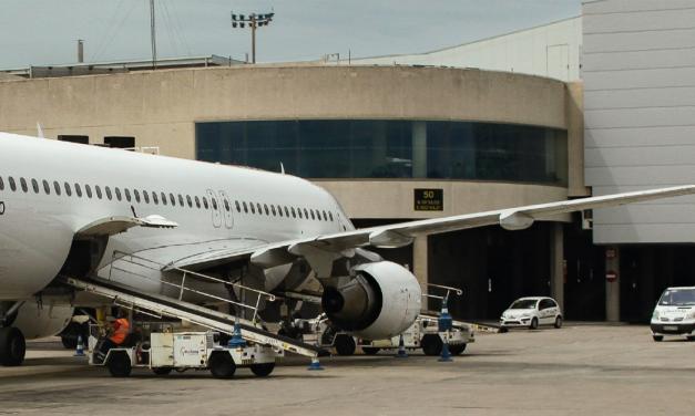 Fluggast COVID-19 positiv – 49 Passagiere in Quarantäne!