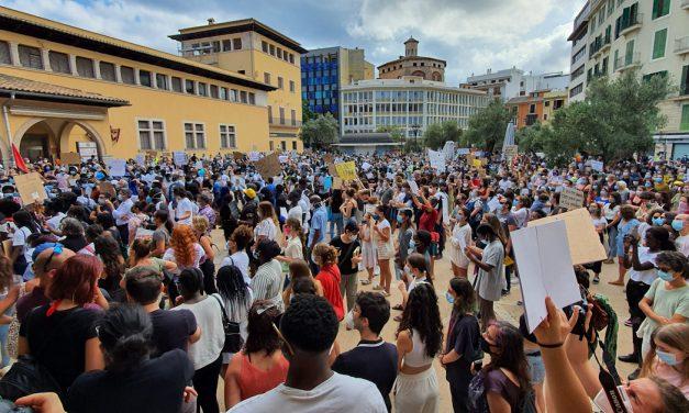 Gegen Rassismus – friedlicher Protest in Palma