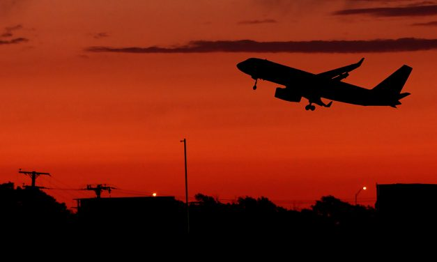 Nächtliche Ausgangssperre – darf ich zum Flughafen?