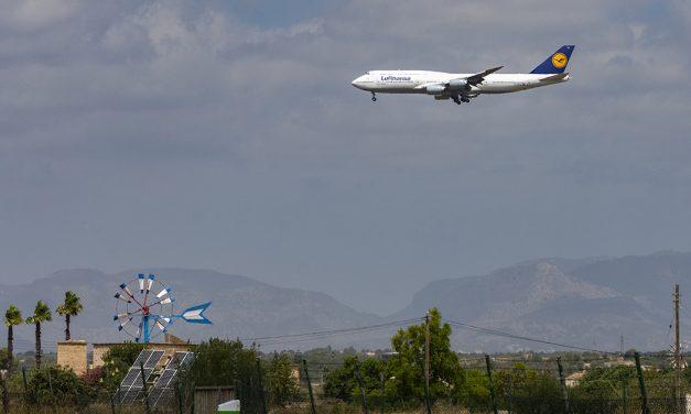 Trotz Hochrisikogebiet: Lufthansa landet mit Jumbos auf Mallorca